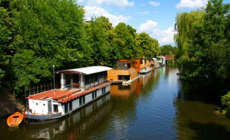 Urlaub mal anders: Mit dem Hausboot unterwegs