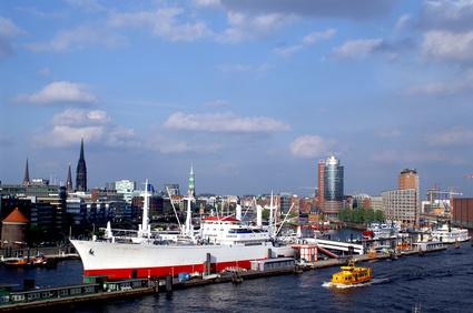 Sonnige Grüße: Die Elbe läd zum Baden ein
