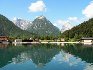 Panoramablick auf den Sylvensteinsee