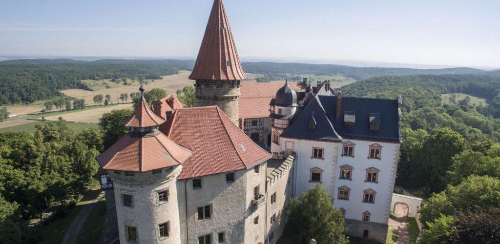 Bei Burgfräulein und Knappe