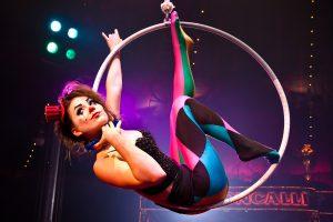 Artisten von Weltklasse verzaubern die Zuschauer im Circus Roncalli. Foto: djd/Circus Roncalli