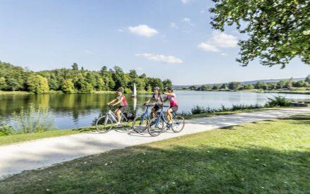 Malerische Impressionen: Das Ellwanger Seenland kann man besonders gut auf dem Fahrrad entdecken
